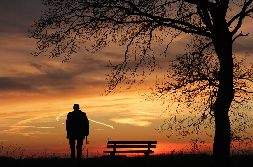 procházka při západu slunce